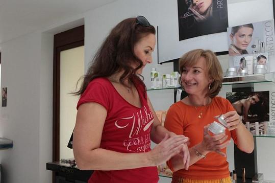 Linda Finková a Sandra Pogodová se radily.