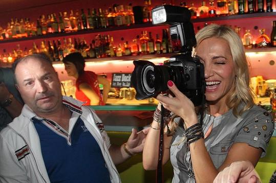Rolins se bavila s fotoaparátem. Michal David nevěřil vlastním očím.