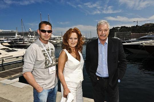 Renč, Stašová a Kukura v přístavu.