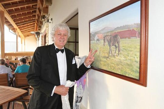 Od malíře Roberta Kessnera, který bude mít na Farmě Blaník zanedlouho výstavu svých obrazů, dostal oslavenec obraz Farmy Blaník i se svými koňmi.