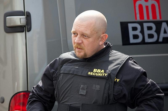 Petr Čtvrtníček je ve své roli k nepoznání.