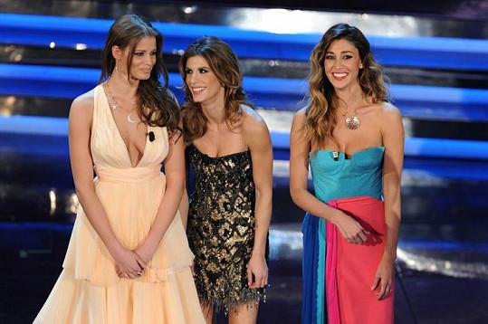 V Itálii je v současnosti hvězdou česká modelka Ivana Mrázová (vlevo). S Canalis a Rodriguez festival moderovala.