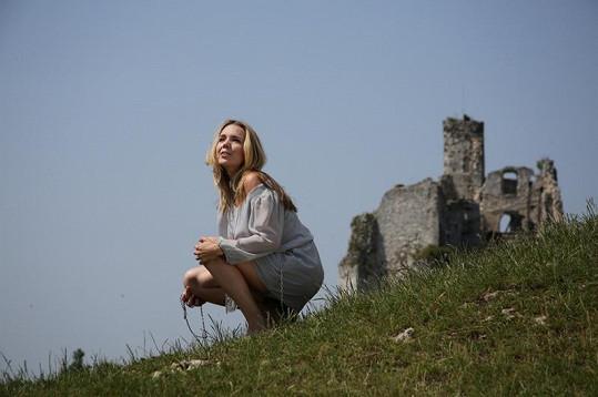 Lucka u polského hradu Bobolice.