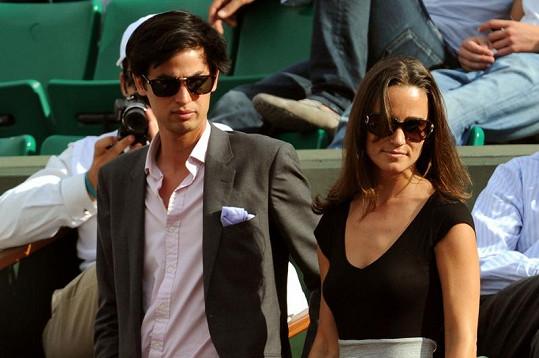 Pippa Middleton se svým tajemným průvodcem na turnaji Roland Garros.