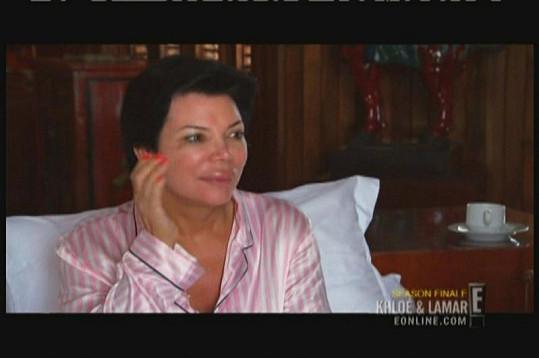 Kris Jenner se ráno probudila s opuchlým rtem.