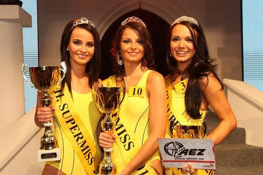 Veronika Elhotová, Kateřina Šidlová a Gabriela Dvořáková v soutěži Supermiss 2010.