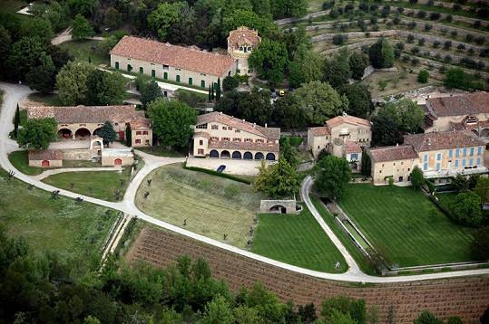 Brad Pitt a Angelina Jolie si hrad Miraval zrekonstruovali.