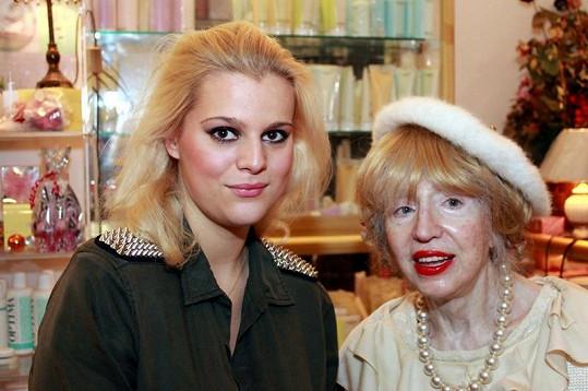 Ornella Štiková s bojovnicí celebrit proti špatné pleti paní Inkou.