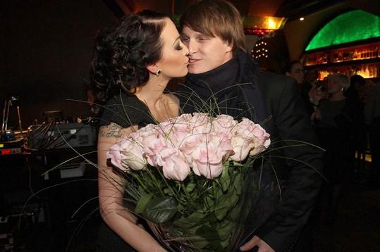 Agátu s Pavlem usmířil její snoubenec Mirek Dopita.