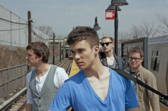 Albert Černý(uprostřed) se svojí kapelou Charlie Straight.