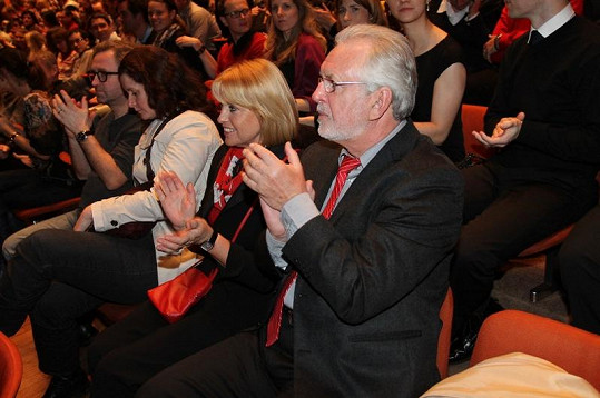 Filmu tleskali i Jaromír Hanzlík s přítelkyní.