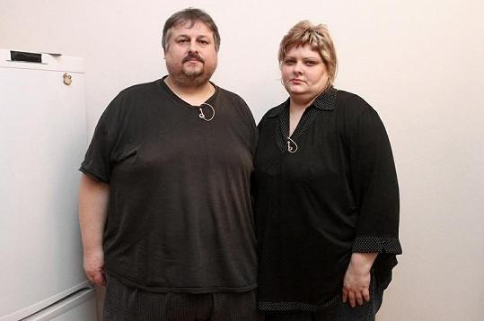 Manželé se za svá obézní těla již styděli.