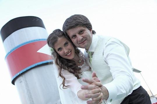 Jana Bernášková s Rudolfem Merknerem v sobotu vypluli na svou plavbu za štěstím.