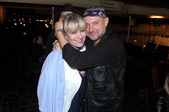 Chantal Poullain a Jakub Ludvík na vernisáži fotek.