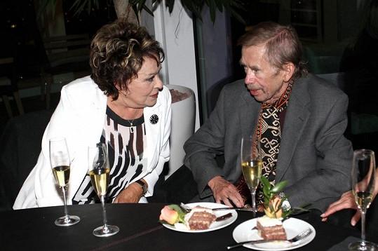 Václav Havel a Jiřina Bohdalová na čtvrteční oslavě narozenin Hany Zagorové.