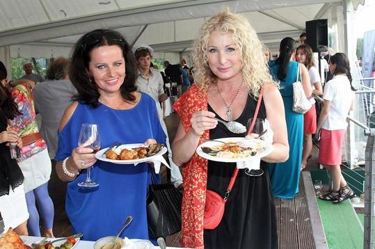 Dobré jídlo zachutnalo Adrianě Sobotové a Světlaně Nálepkové.