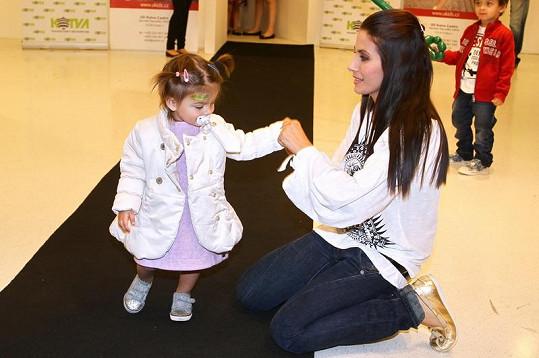 Eva Decastelo s dcerou Zuzankou na módním mole.