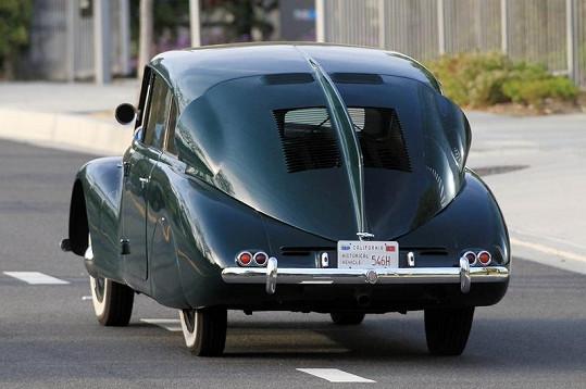 Díky aerodynamickému tvaru měla Tatra 87 na svou dobu mimořádně nízkou spotřebu paliva kolem 12 litrů.