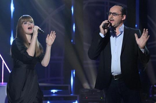 Lenka zpívala s Marianem Vojtkem.