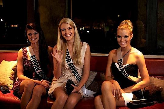 Jitka si na Miss Universe našla dost kamarádek.