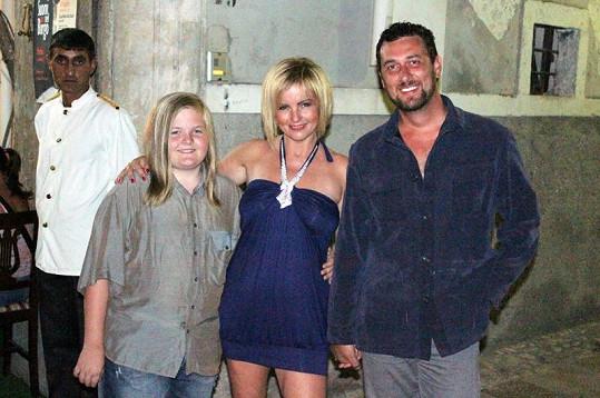 Po rozvodu podlehla italskému šarmu Domenica Martucciho.