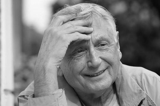 Jiří Menzel zemřel 5. září 2020 ve věku 82 let na komplikace virózy covid-19.
