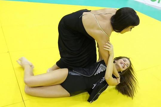 Válková skončila na žíněnce s Martou Ondráčkovou.
