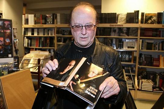 Petr Janda a jeho kniha.