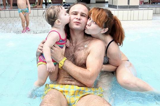 Míša Nosková s manželem a dcerou relaxovali v Maďarsku.