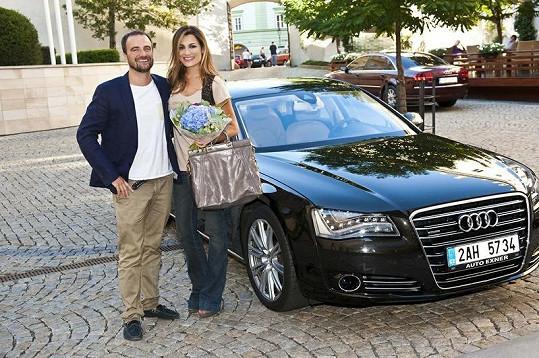 Alena s organizátorem kalendáře Pavlem Trčkou.