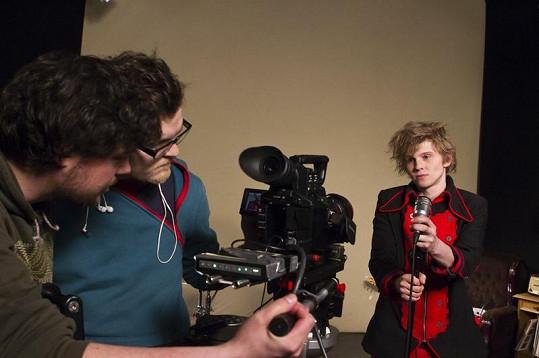 Režie klipu kapely Mandrage se opět ujal Pavel Sadílek.