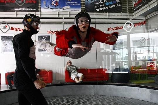 Barbora Švidráňová při simulovaném pádu.