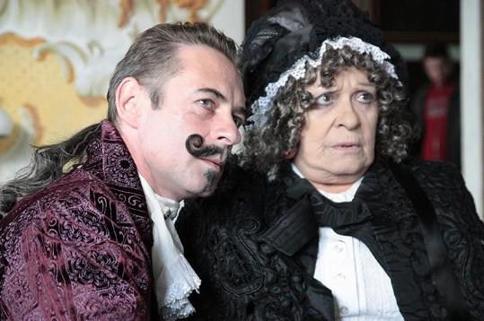 Jiří Dvořák a Jiřina Bohdalová si také zahráli v pohádce Šťastný smolař.