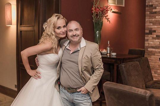 Svatbu bez songů Michala Davida si Lucie nedokázala představit.