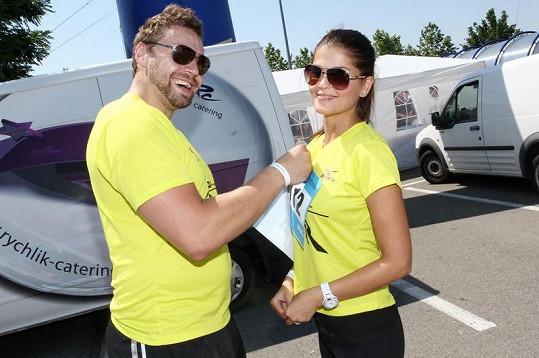 Elisavet se rozešla s hokejistou Martinem Tůmou, který je exmanželem Kateřiny Kristelové.