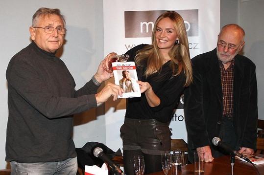 Jiří Menzel s kmotrou knihy Taťánou Kuchařovou.