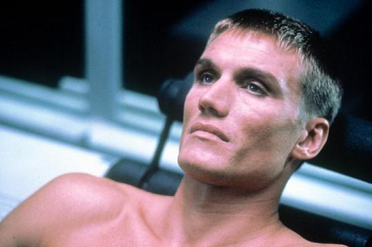 Snímek z Univerzálního vojáka z roku 1992.