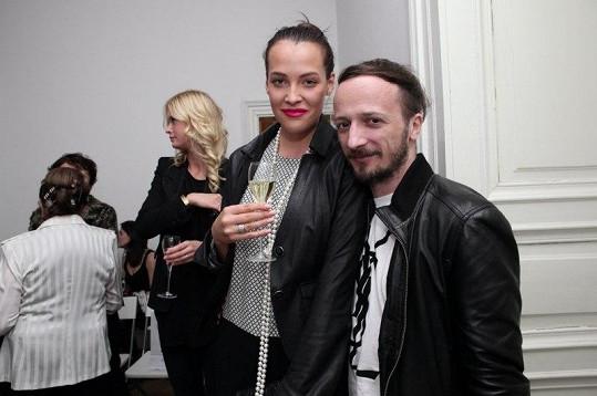 Na akci dorazila také Kateřina Sokolová, která pózuje s módním ředitelem agentury Czechoslovak Models Mario Sečkářem.