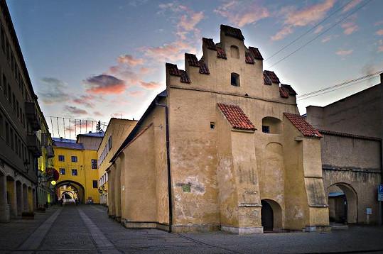 Výstava se odehrává v Caraffově věznici v Prešově.