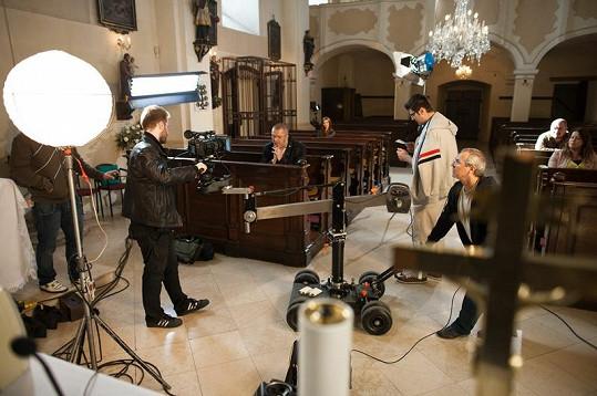 Ke spolupráci přizval Richard Müller režiséra Martina Hudáka, se kterým už spolupracoval na klipu ke skladbě Už.