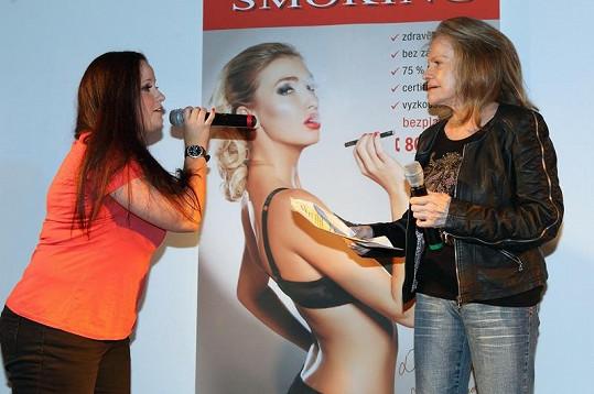 Svůj úžasný hlas Evě Pilarové předvedla Mirka Roubíková z TopStaru.