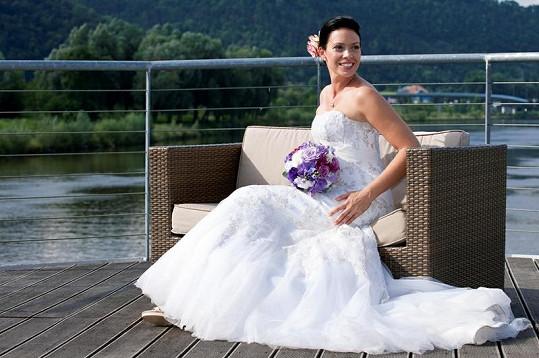 Daniela Hufová byla krásná nevěsta.