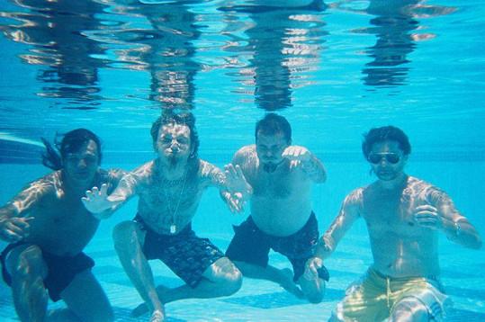 Pánové se vyfotili jak pod vodou...
