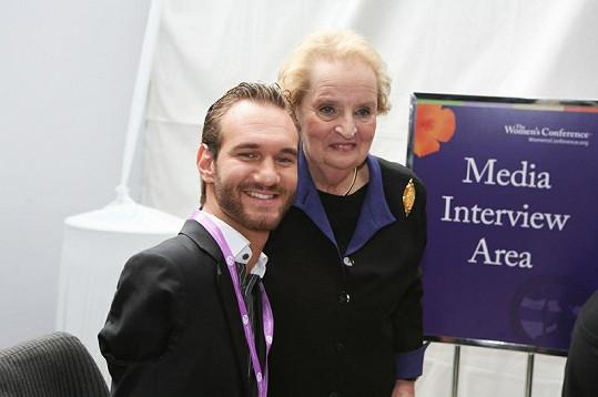 Mladý Australan s Madeleine Albright.