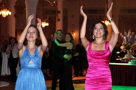 Tereza Voříšková a Kristýna Janáčková si večer užily.