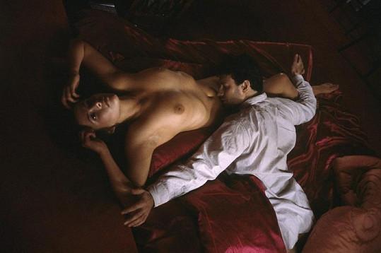 V romantickém dramatu Šílená láska.