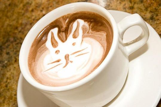 Umělecky připravenou kávu je škoda vypít.