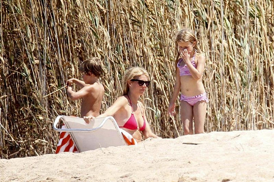 Paltrow s dcerou Apple a synem Mosesem.