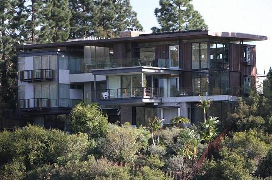 Tato luxusní hollywoodská rezidence se prý zalíbila Ashtonu Kutcherovi.