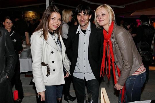 Zdeněk Podhůrský a jeho přítelkyně Ilona (vpravo) vypadají spíš jako otec s dcerou.